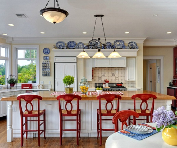 7 Rooms That Rock Red, White and Blue