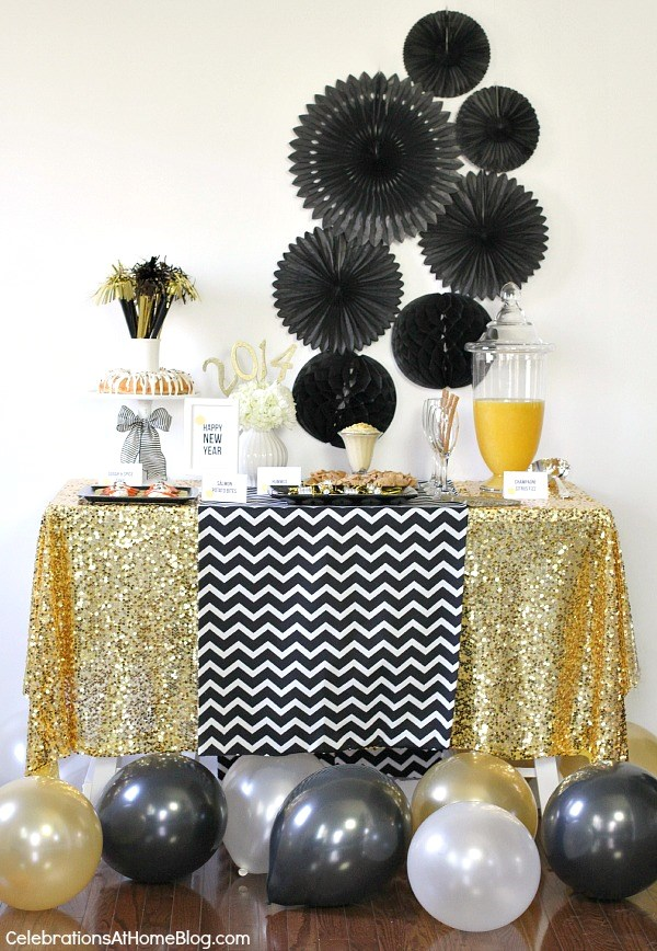 New Years Eve Party Drink, (Vegan) Snacks, & Tablescape Ideas