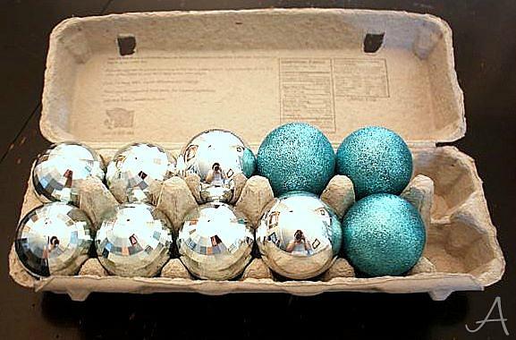 storing-christmas-ornaments