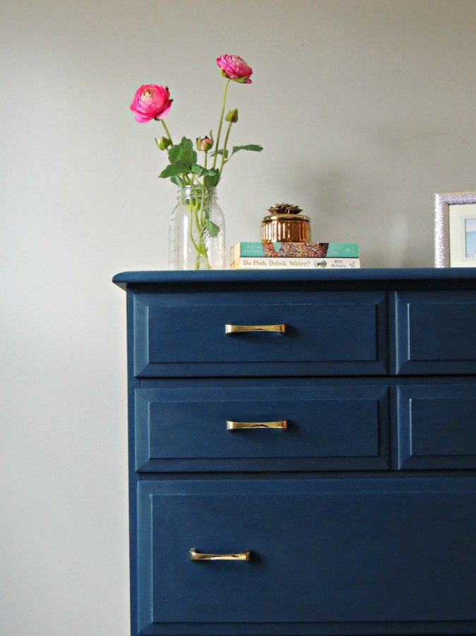 Paint it Handsome with Velvet Finishes June Colour of the Month. Receive 20% savings at checkout. Handsome Navy paint and color in design inspirations here.